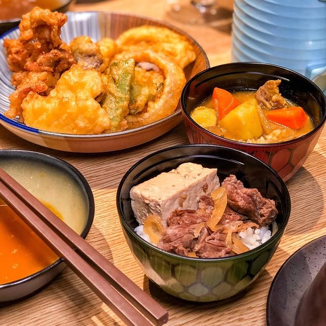 【捷運市政府站】但馬屋-日本黑毛和牛涮涮鍋。夢幻的油花分布、頂級肉質的神戶和牛吃到飽 @ ・ᴗ・ 餓很 ...