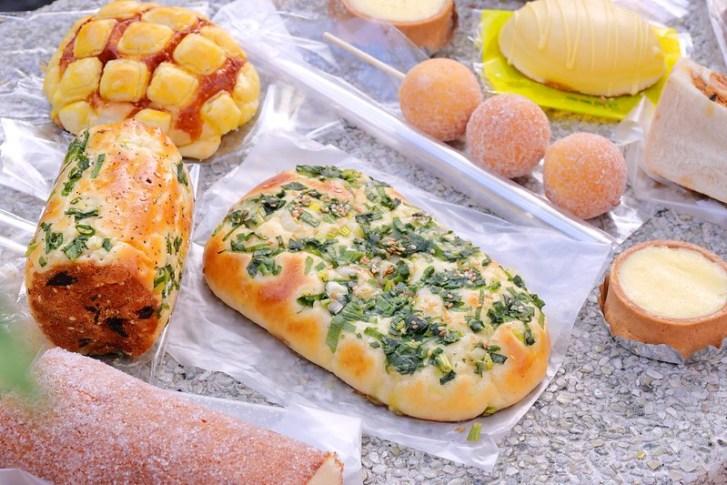 49086359326 66370a00b1 c - 台中麵包甜點_ㄅㄨㄅㄨ麵包車:排隊麵包車大里/大雅/東興路出沒 最便宜5個100元2.5小時快閃完售!