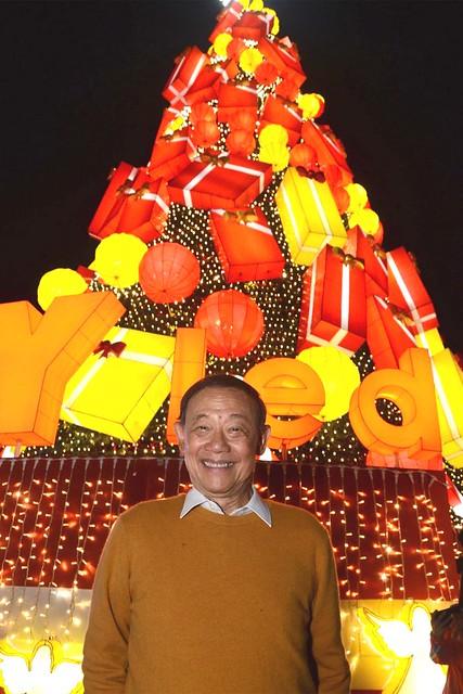 Firefly LED's newest brand ambassador, Christmas icon Jose Mari Chan
