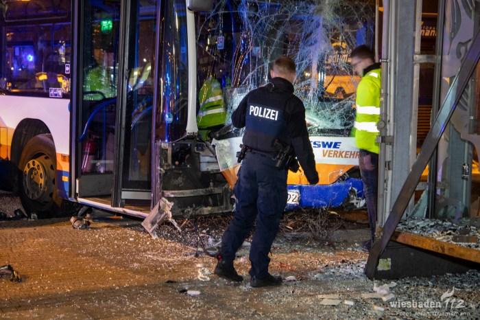 Busunfall Wiesbaden Hauptbahnhof (21 von 21)