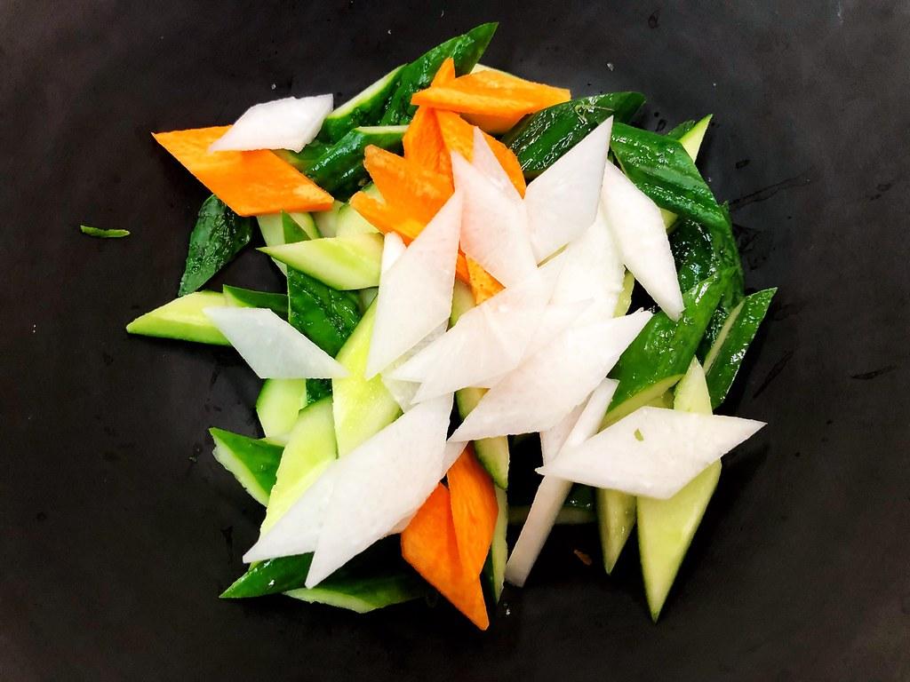 [達人專欄] 《廣東泡菜》中餐乙級證照考題201-E黃瓜類料理 - wasd5205的創作 - 巴哈姆特
