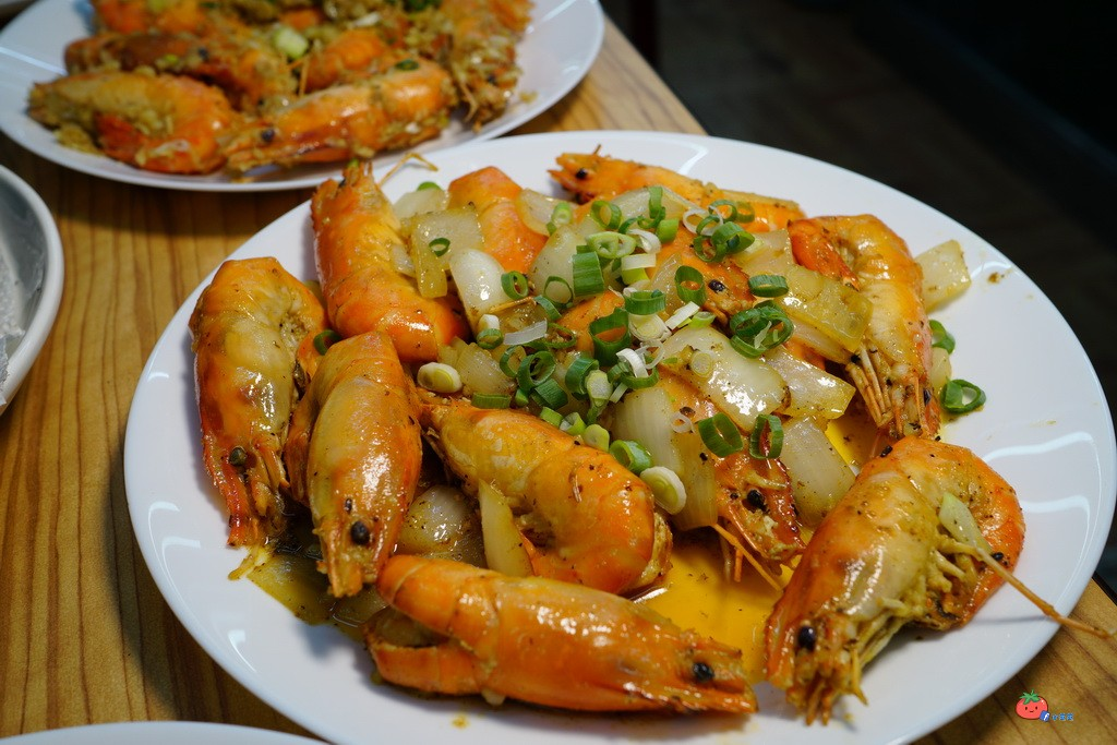 【中和胡椒蝦料理】蝦蝦叫!東城活蝦料理,泰國蝦太肥活跳現撈,中和最便宜泰國蝦餐廳 – 小芝芝-雞不 ...
