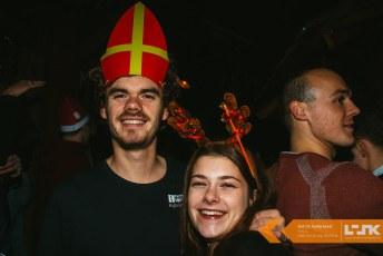 Sint VS Santa