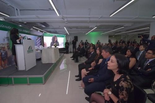 ISEM inaugura sede principal en Lima