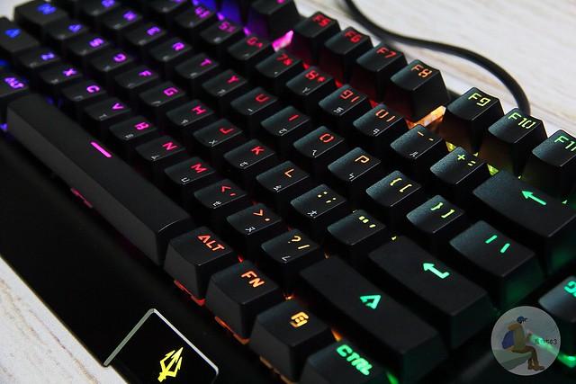 PJ01.[3C開箱]POJUN PJ01機械式鍵盤& J01電競滑鼠組 千元鼠鍵組 CP值爆表   鍵盤滑鼠推薦 @旅咖543