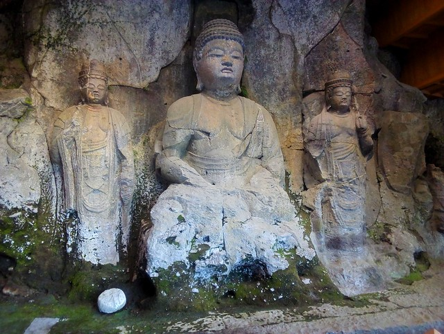 The Three Amidas (Amida-san-son-zou) by bryandkeith on flickr