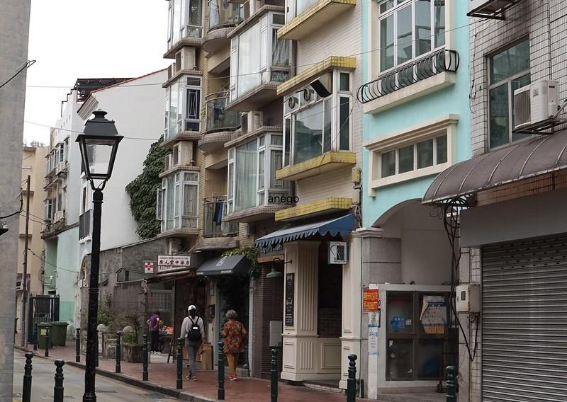 タイパ 街角