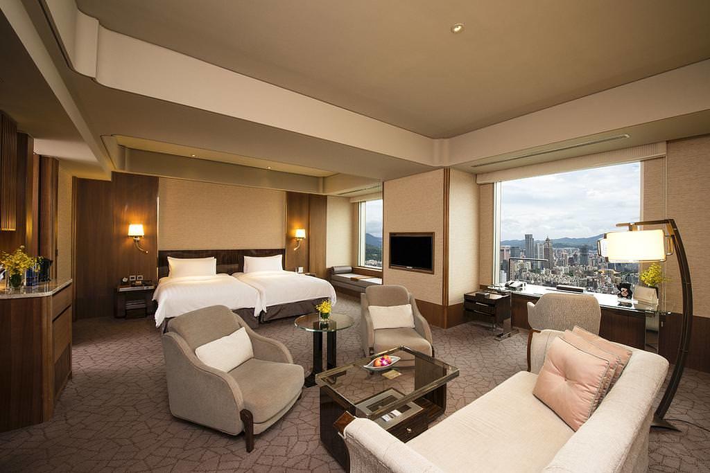 Shangri-La's Far Eastern Plaza Hotel 3