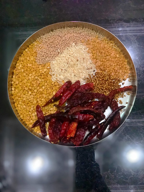 Molaga podi / gun powder