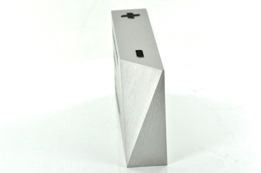 statuetka z bryły aluminium
