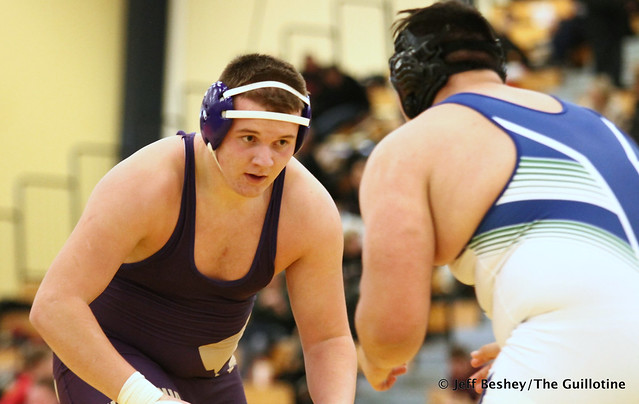 285 Semifinal - Bennett Weber (Waconia) 9-1 won by major decision over Diego Villeda (Eagan) 11-4 (MD 8-0). 191221AJF0367