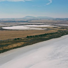 A white Christmas after all - salt lakes today on the (spot Jackie in the under left corner) #eyrepeninsula @eyrepeninsula #seesouthaustralia #southaustralia #sagreat #ig_southaustralia #landscape_capture #landscapemag #earthlandscape #landscapestylen #lg