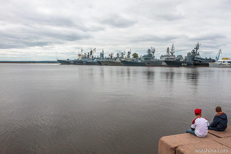 Корабли Дважды Краснознаменного Балтийского флота ВМФ России на стоянке в Кронштадте