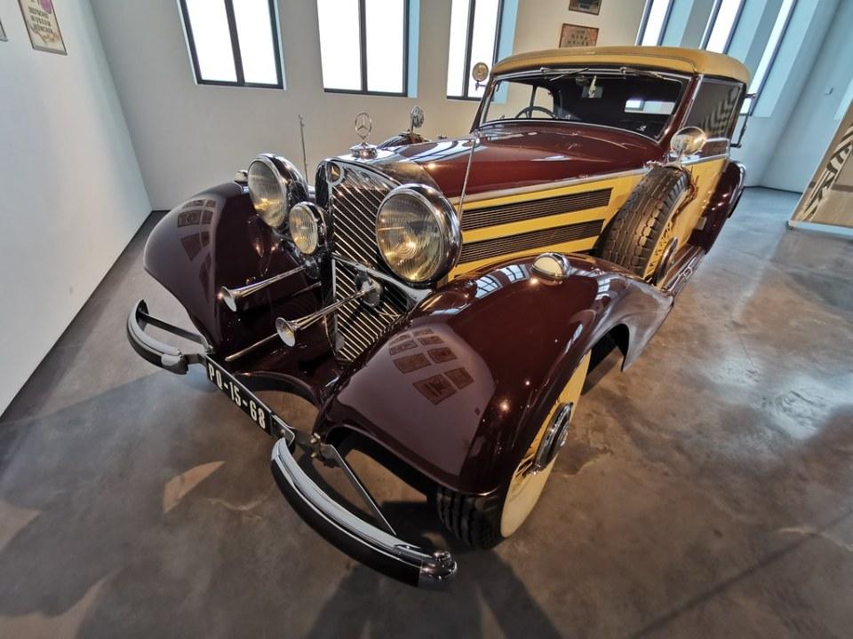 Museo Automovilistico y de la Moda Málaga coches antiguos fabricados año 1936 Mercedes Alemania Modelo 540K Kompressor Símbolo del poder