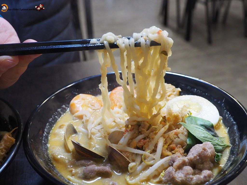 寶貝老闆新加坡叻沙麵 百元美食讓你在臺南也能吃到新加坡名菜 @ 啾啾老闆!來一份雞屁股! :: 痞客邦