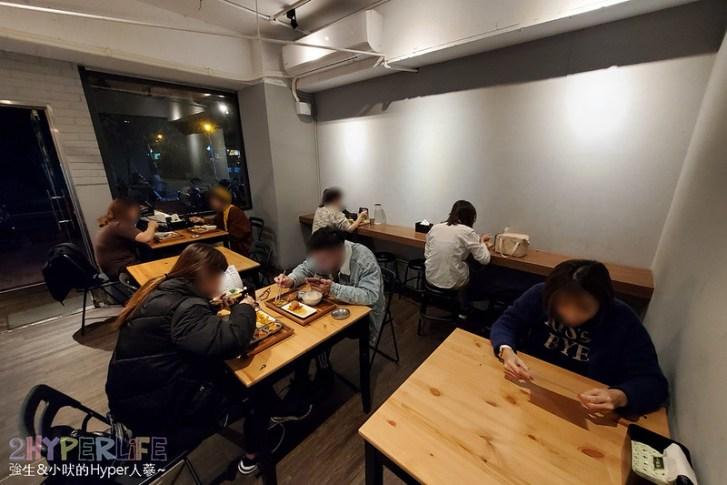49401859853 84bfc6d24a c - 中友百貨後方平價韓式料理,小小店面總是塞滿人~KBAB大叔的飯卷菜單改版後沒賣飯卷囉!