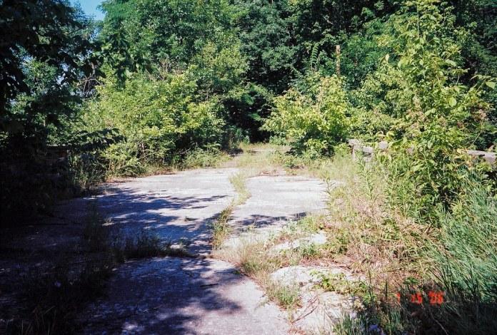 Abandoned bridge/road of US 40 west of Plainfield