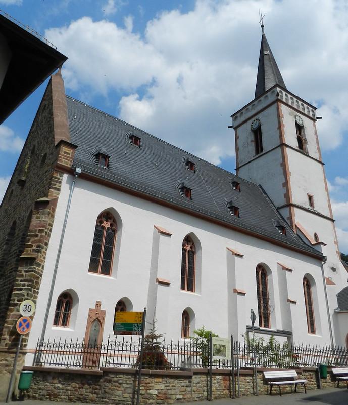 Iglesia Santa Cruz Heilig Kreuz Assmannshausen Valle del Rin Alemania 02