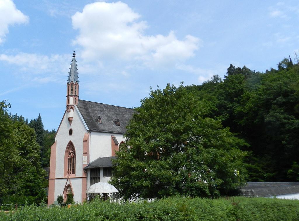 exterior Iglesia Monasterio franciscano Marienthal Kloster franziskaner Marienthal Geisenheim Alemania 01