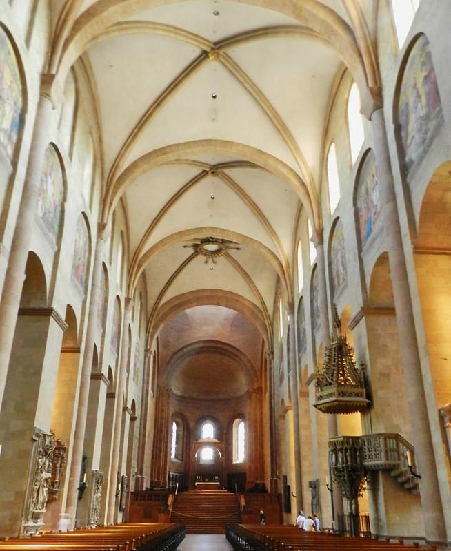 nave central interior Catedral de Maguncia Mainzer Do Mainz Valle del Rin Alemania 03