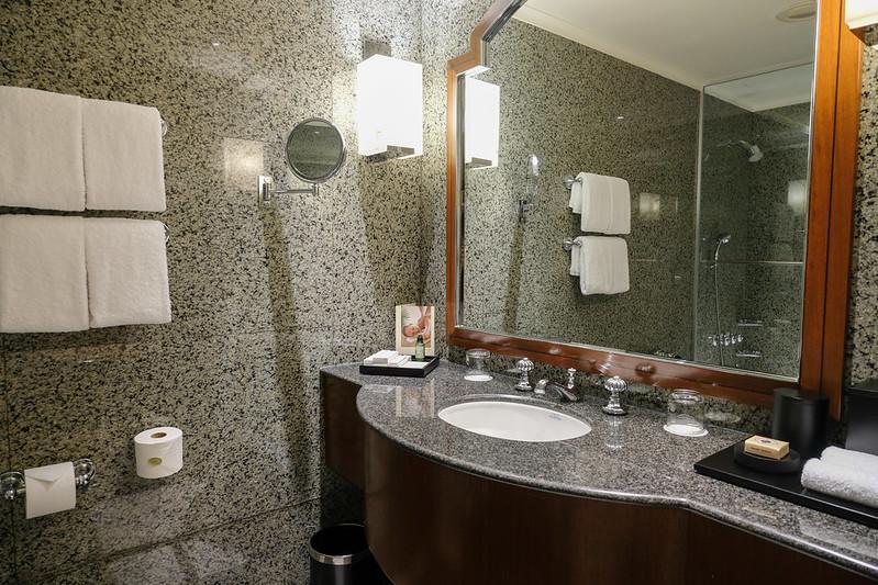 bathroom regent singapore