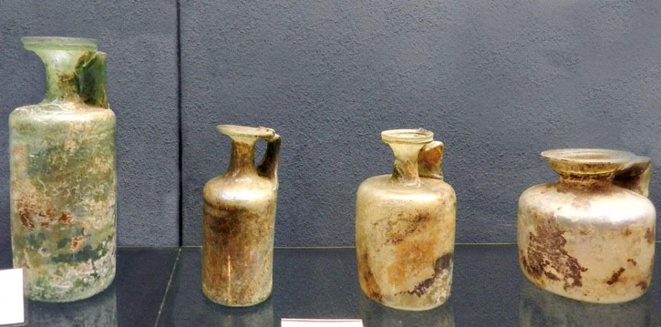 recipientes de vidrio romano Museo del Vino de Rheingau Rheingauer Weinmuseum Rudesheim Valle del Rin Alemania 01