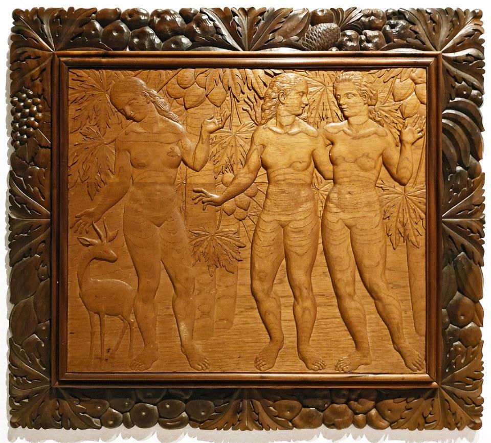 Plácido Fleitas bajorrelieve en madera Las Tres Gracias 1945 Escuela Lujan Perez Las Palmas de Gran Canaria