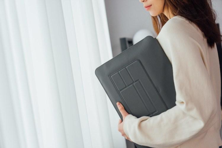 筆電包推薦 SINEX 全球首款 3in1變形筆電包:一包多用不但可調整兩種高度、柔軟鍵盤手托還有散熱功能