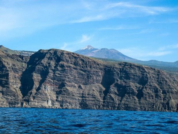 El Teide visto desde el mar rumbo a Los Gigantes