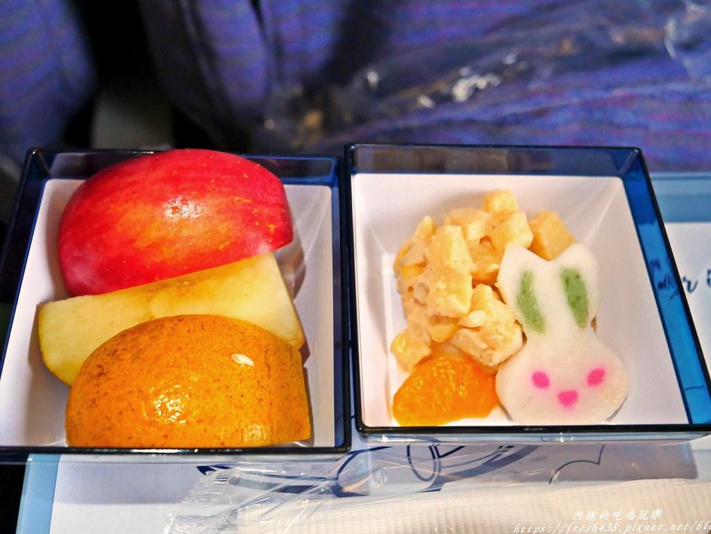 【飛航體驗】峇里島之旅。搭乘中華航空CI771、CI772經濟艙。臺灣桃園-登帕薩機場。機上空間、設備與餐點介紹 ...