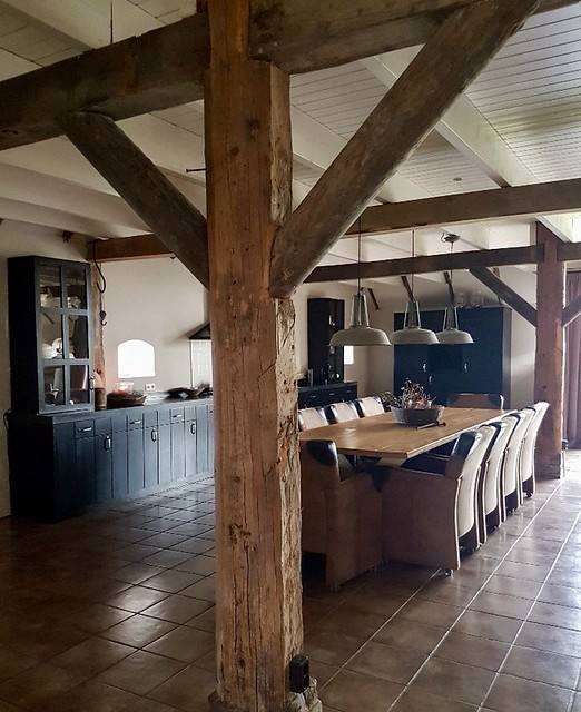 Grote woonkeuken landelijke stijl woonboerderij