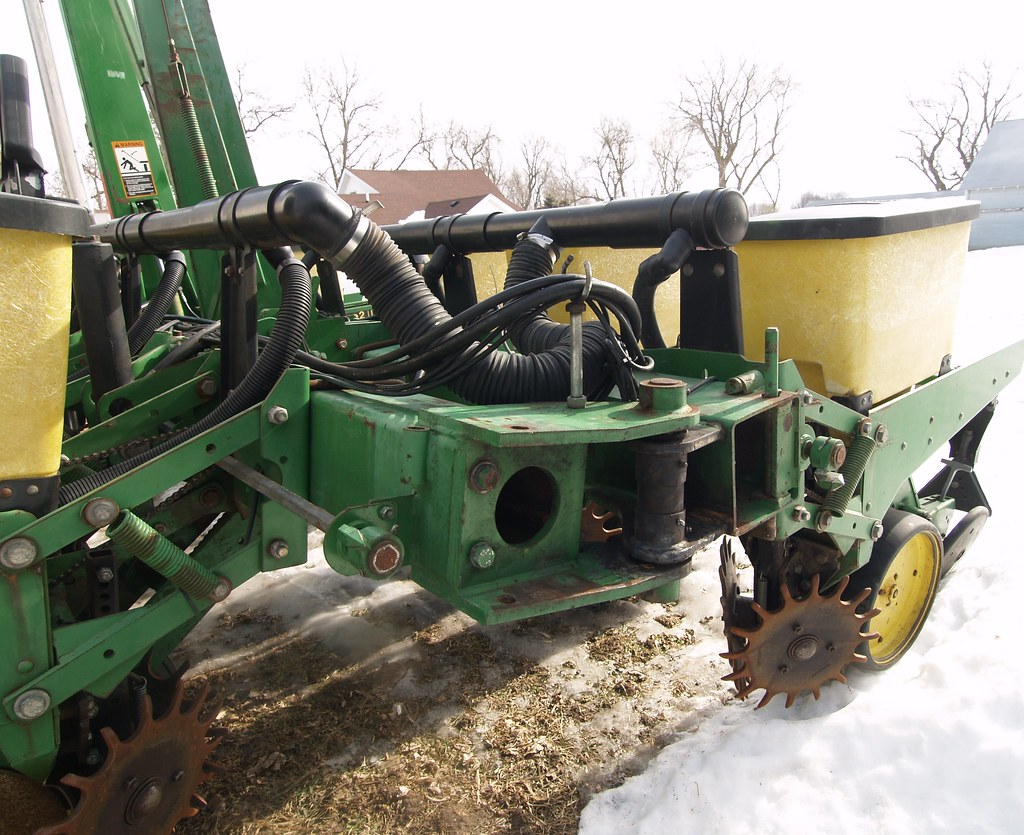WEDNESDAY WEEKLY Online Only Equipment Auction By www.PIKEBID.com/AuctionTime.com • Land & Farm Services Unlimited
