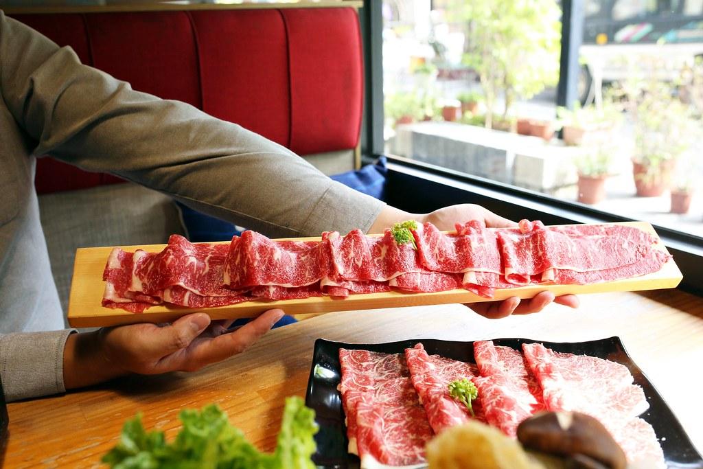 【高雄】豐樂肉肉鍋 窯烤披薩。平價個人火鍋$149起。還有肉燥飯、王子麵、冰淇淋自助吧吃到飽│左營火鍋 ...