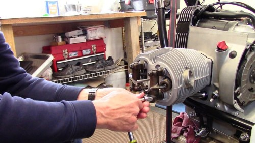 Pulling Cylinder Into The Block by Tightening Rocker Nuts In Cross-wise Pattern
