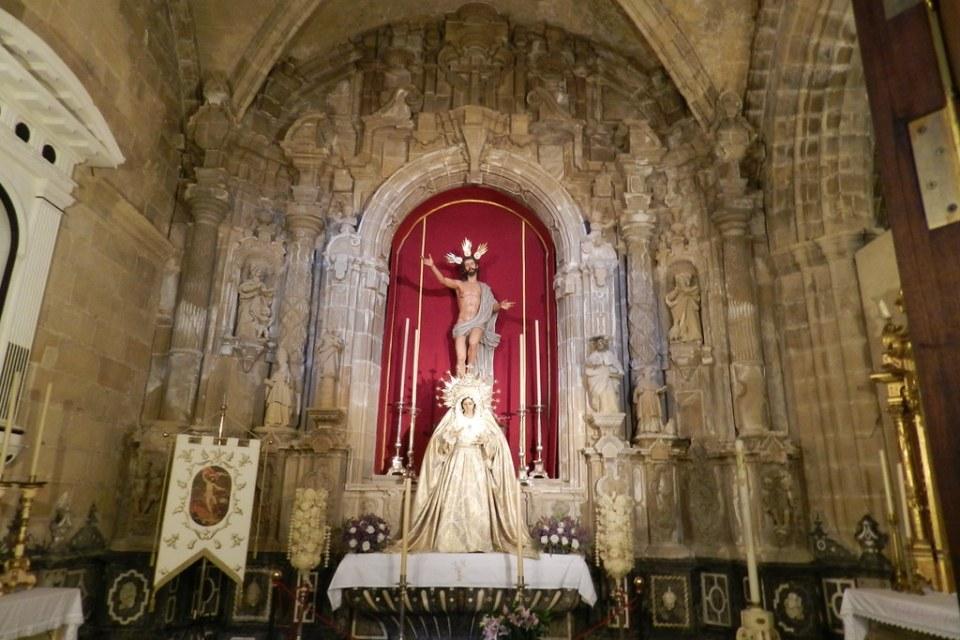 capilla imagen Jesucristo en el misterio de la Resurreccion y la Virgen Catedral de Jerez de la Frontera Cadiz