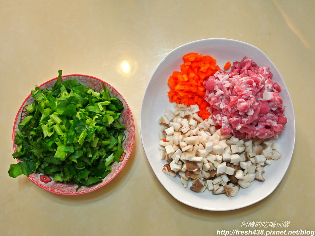 【電鍋食譜】豬肉菜飯。營養均衡好健康。職業婦女的救星! @ 阿醜的吃喝玩樂 :: 痞客邦