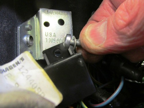 Turn Signal Relay Socket Hardware Detail