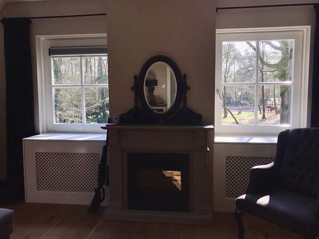 Radiator bekleding schouw spiegel slaapkamer