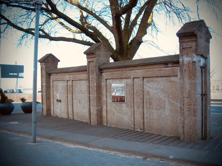 Rotterdam Daily Photo: Confinement, one from the past