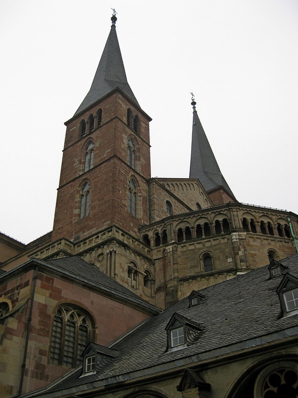 IMG_2098 Trier Dom gezien vanuit de kloostertuin