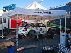 preparacion de automovil participante Rally Islas Canarias 2019 salida desde Parque Santa Catalina Las Palmas de Gran Canaria 05