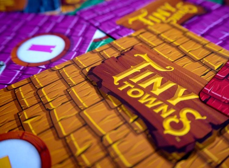 TINY TOWNS CARTAS1