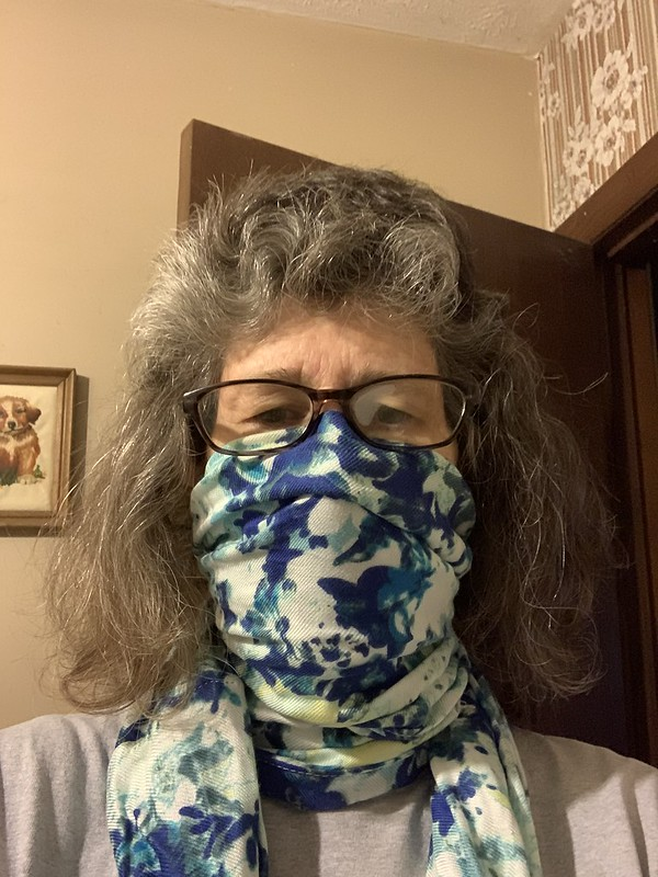 Mask using infinity scarf