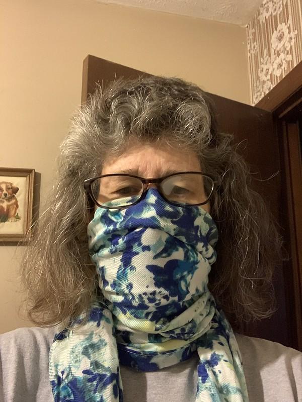 Mask using infinity scarf