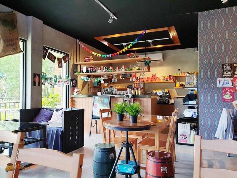 新竹景觀餐廳│W.H. Coffee》橫山親子友善大草皮咖啡館 @ Pudding's Life :: 痞客邦