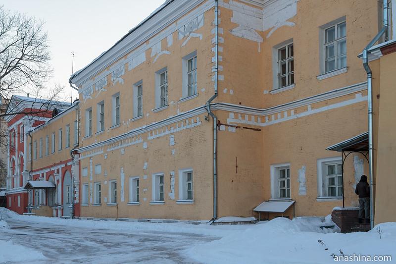 Флигели Лефортовского дворца со стороны Яузы