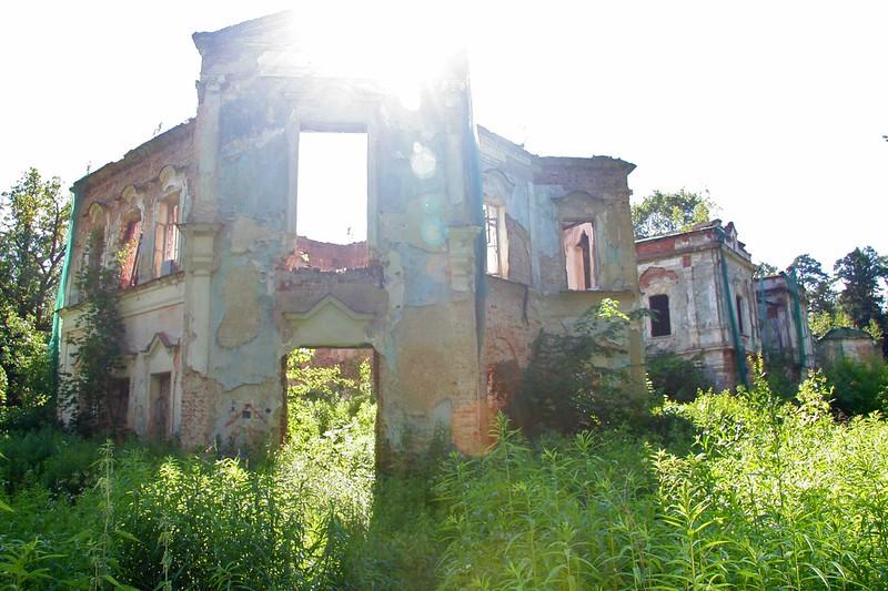Руины усадебного дома в Николо-Прозорово