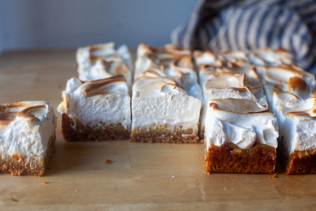 whole lemon meringue pie bars
