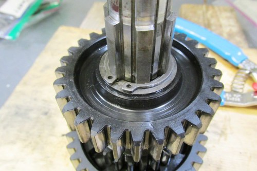Output Shaft 2nd Gear Secured With A Lock Ring On Each Side