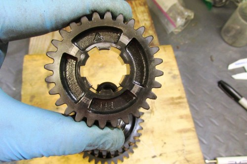 Output Shaft 3rd Gear Dog Slots